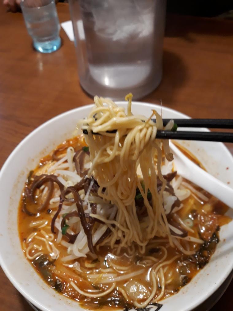 中華一番館のスタミナとんこつ大盛りがやってきた