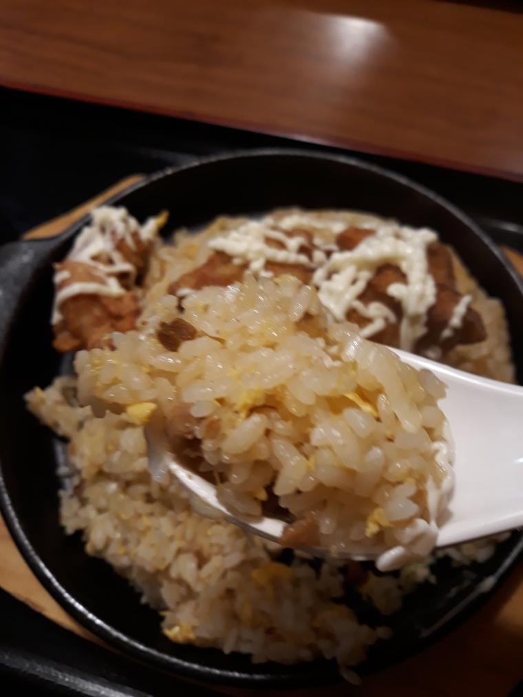 中華一番館の唐揚げ炒飯大盛りがやってきた